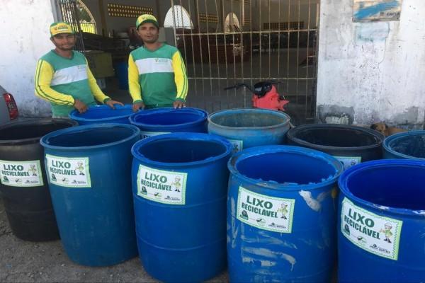 CPAC entrega tonéis para coleta seletiva no município de São Miguel do Aleixo